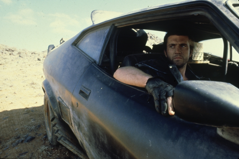 mad-max-2-1981-mel-gibson-driving-seat-0